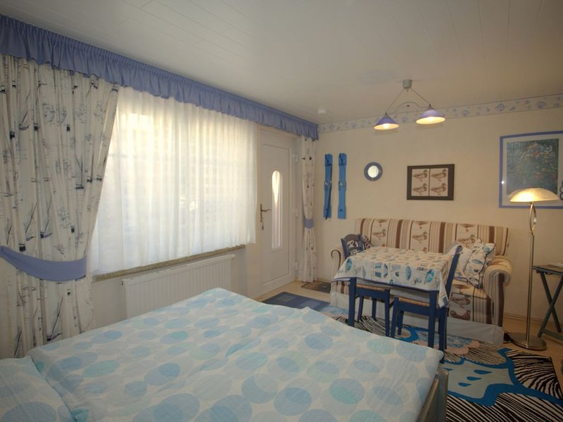 Blaue Ferienwohnung direkt am Meer, holiday rental in Neuenkirchen