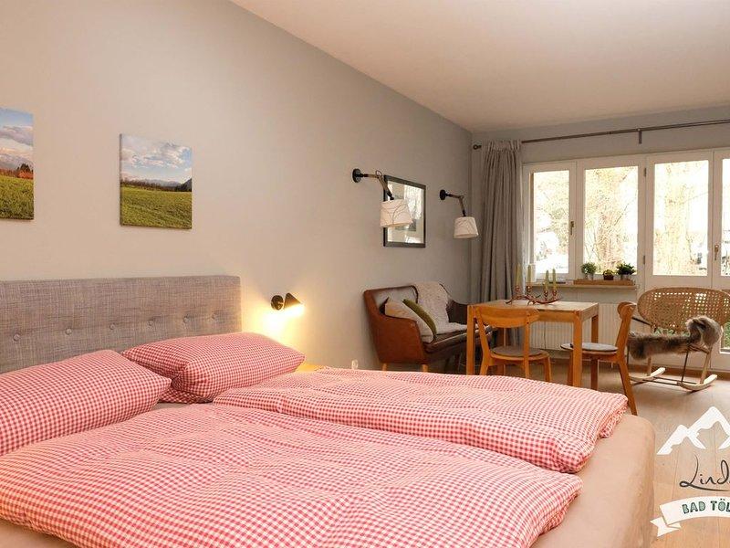 Modernes 1 Zimmer-Appartement am Kurpark, komplett neu renoviert in 2016, WLAN!, alquiler de vacaciones en Bad Heilbrunn