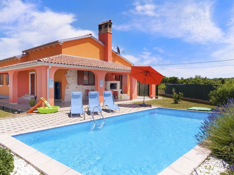Villa Melody, the pool, terrace and sunbeds