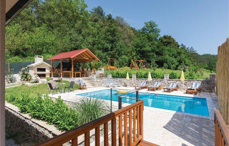 4 Zimmer Unterkunft in Trilj, vacation rental in Vedrine