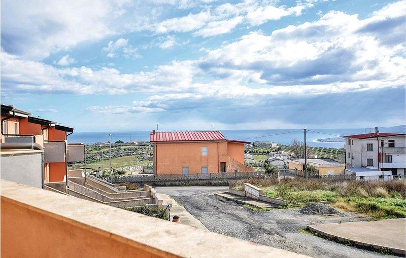 5 Zimmer Unterkunft in Stalettì, vacation rental in Catanzaro Lido