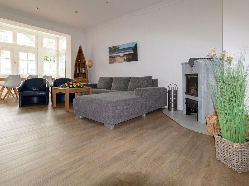 Stilvolle und hochwertige 3-Raum Ferienwohnung mit Kamin, WLAN, PKW STellplatz, holiday rental in Lancken-Granitz