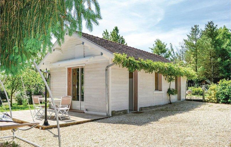 1 Zimmer Unterkunft in Rumilly lès Vaudes, holiday rental in Clerey