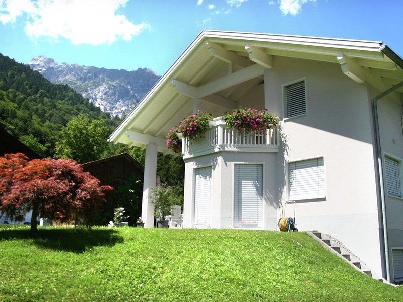 Cozy Holiday Home in Vandans near Montafon Ski Area, holiday rental in Raggal