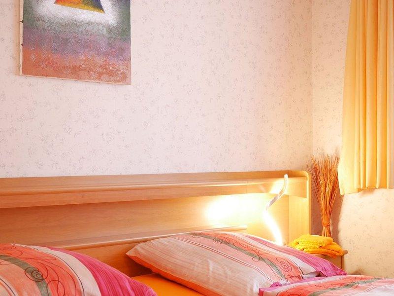 Leon, 130qm, 3 Schlafzimmer, max. 9 Personen, aluguéis de temporada em Bonndorf im Schwarzwald