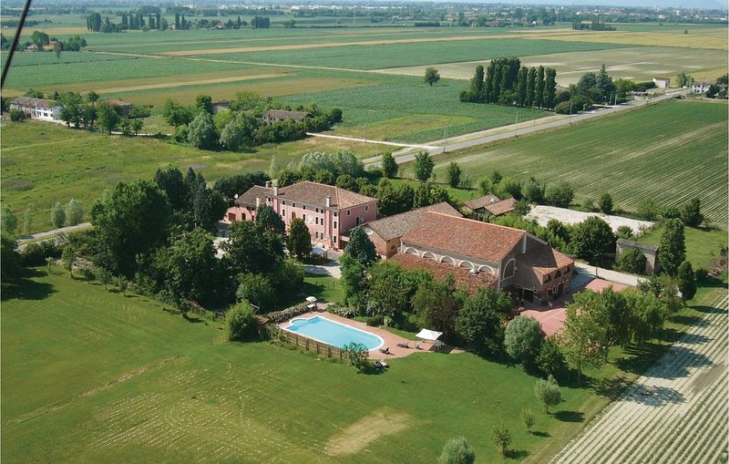 2 Zimmer Unterkunft in Pontecchio Pol. (RO), holiday rental in Crespino