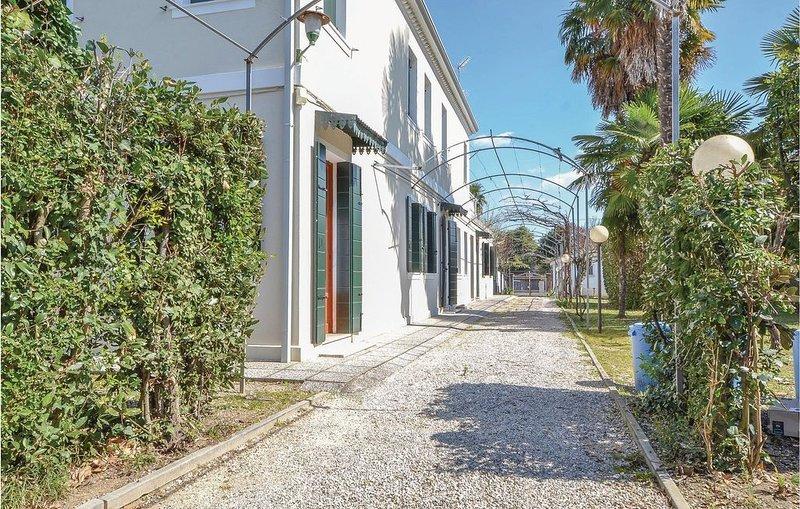 2 Zimmer Unterkunft in Mogliano Veneto, holiday rental in Martellago