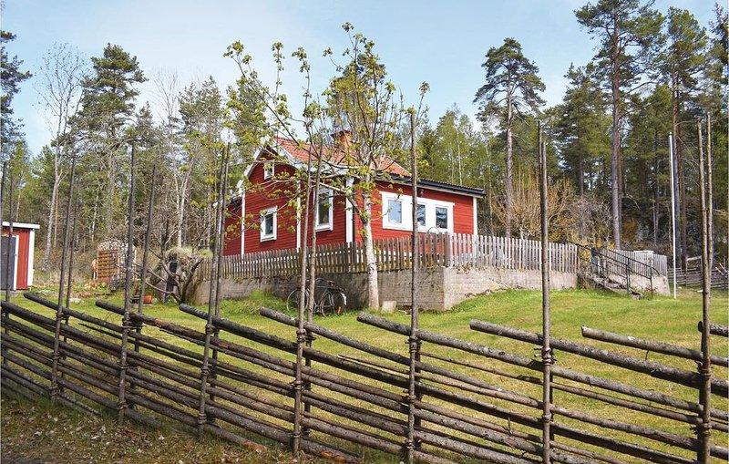 2 Zimmer Unterkunft in Kolmården, holiday rental in Söderköping