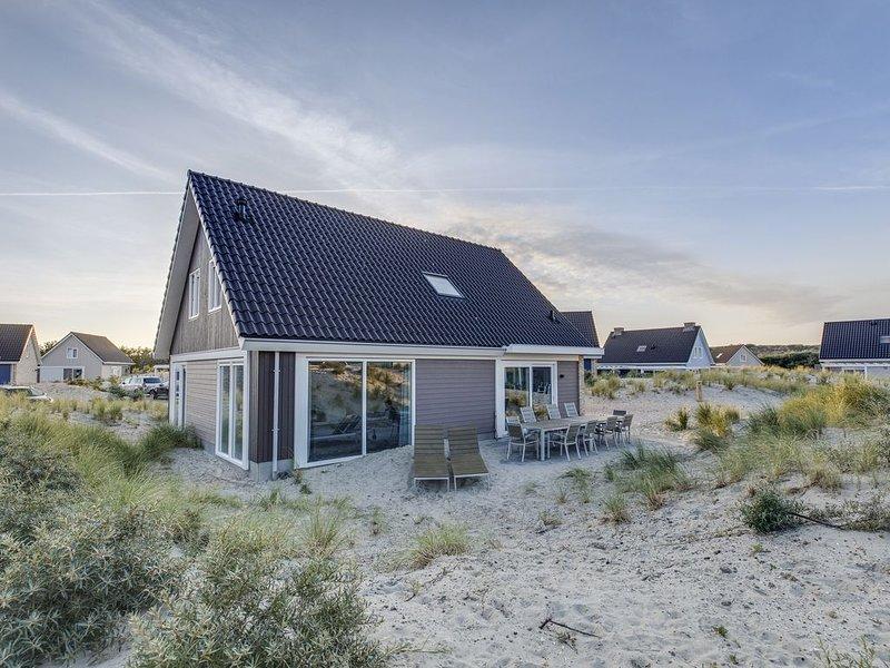 Luxus 10-Personen-Villa - Grasduin im Ferienpark Landal Strand Resort Ouddorp Du, holiday rental in Goedereede