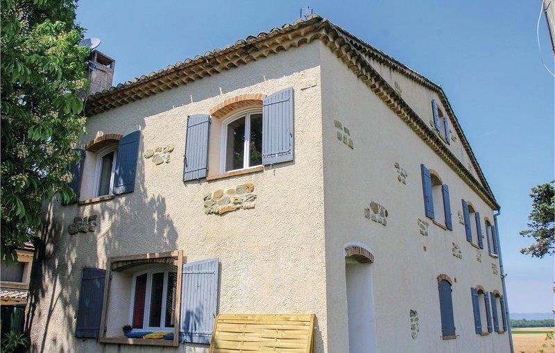 2 Zimmer Unterkunft in La Bégude de Mazenc, vacation rental in La Begude-de-Mazenc