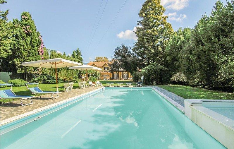 4 Zimmer Unterkunft in Massarosa -LU-, holiday rental in Piano di Mommio