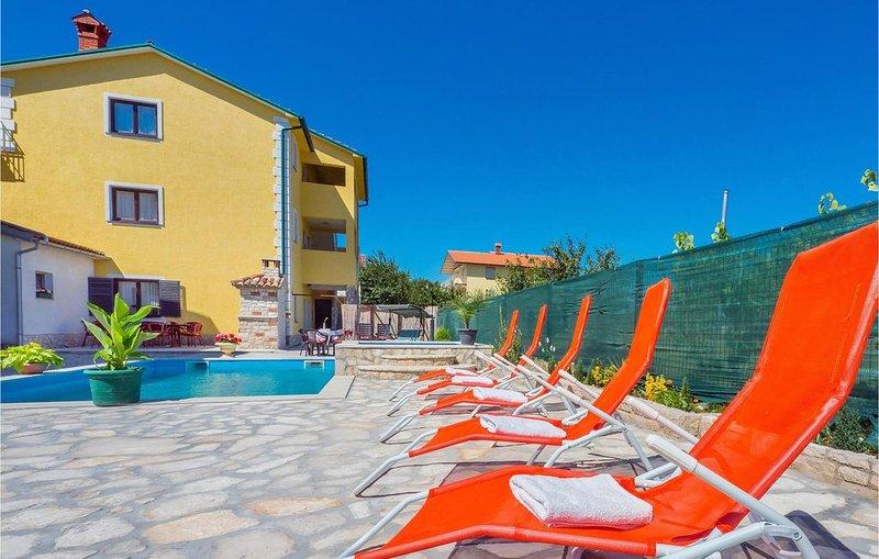5 Zimmer Unterkunft in Nedescina, location de vacances à Strmac