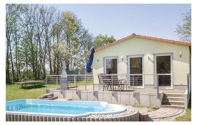 2 Zimmer Unterkunft in Behrenhoff/Neu Dargel., holiday rental in Zussow