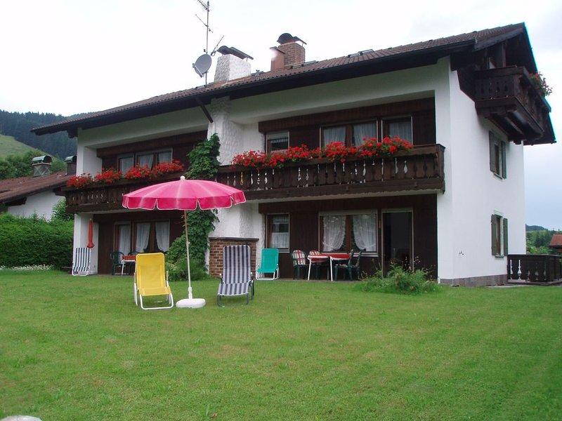 Herzlich willkommen und Grüß Gott im Haus Sorgschrofen!, holiday rental in Nesselwang