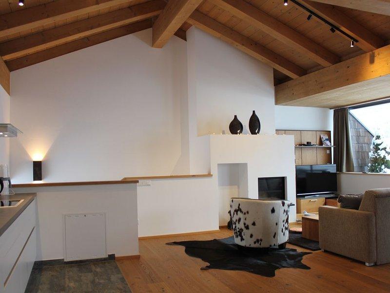 Sonnige Penthouse Wohnung mit fantastischem Ausblick auf den Großvenediger, holiday rental in Schonbach