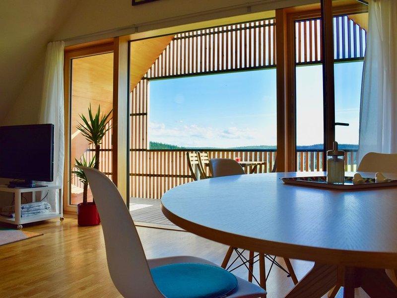 Ferienwohnung 'Nuvola' mit 90qm, 2 Schlafzimmer, max. 4 Personen, aluguéis de temporada em St. Georgen im Schwarzwald