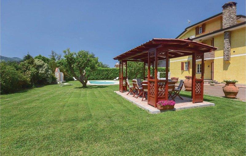 6 Zimmer Unterkunft in Camaiore (LU), vacation rental in Nocchi