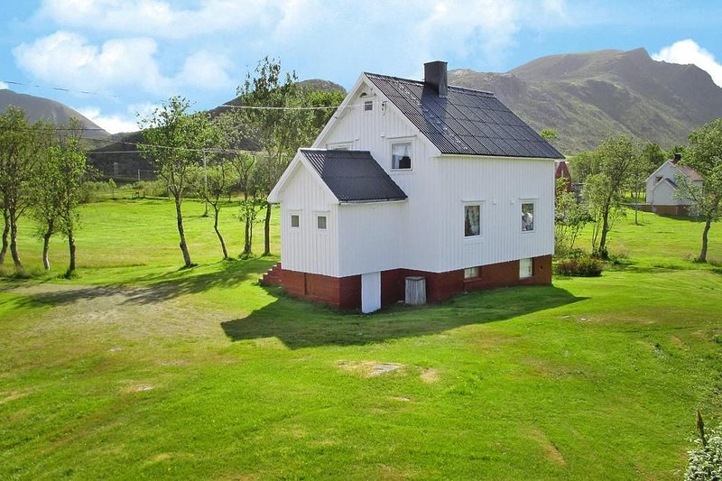 Ferienhaus, Lyngedal, vacation rental in Flakstad Municipality