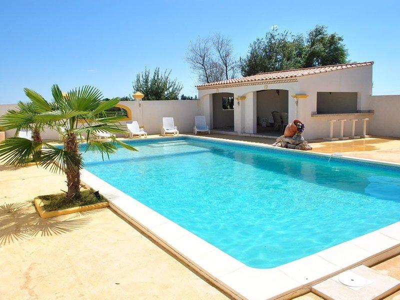 Mas en Camargue dans un carde typique andalou avec piscine, barbecue..., aluguéis de temporada em Sylvereal