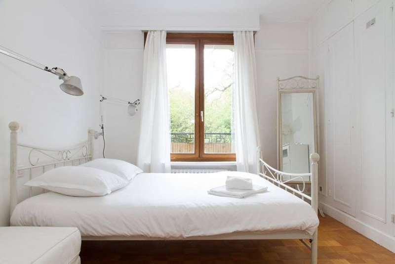 Lovely Flat #Buttes Chaumont #Sunny, holiday rental in Les Lilas