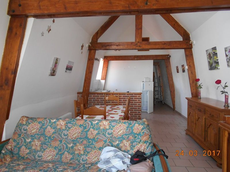 Gîte rénové ,70 m2 , à Samer, Côte d'Opale , campagne Boulogne/mer, holiday rental in Bezinghem