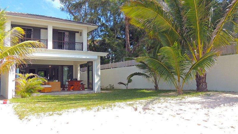 Magnifique Villa de 4 chambres sur la plus belle plage de l'Ile,lagon turquoise., casa vacanza a Pointe d'Esny