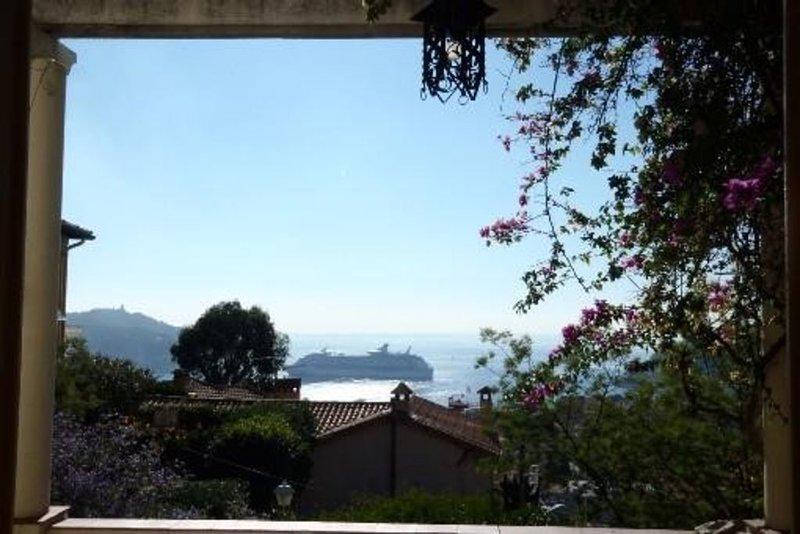 Villa De Charme abordable à Villefranche-sur-mer sur La Vraie Côte D'Azur, holiday rental in Villefranche-sur-Mer