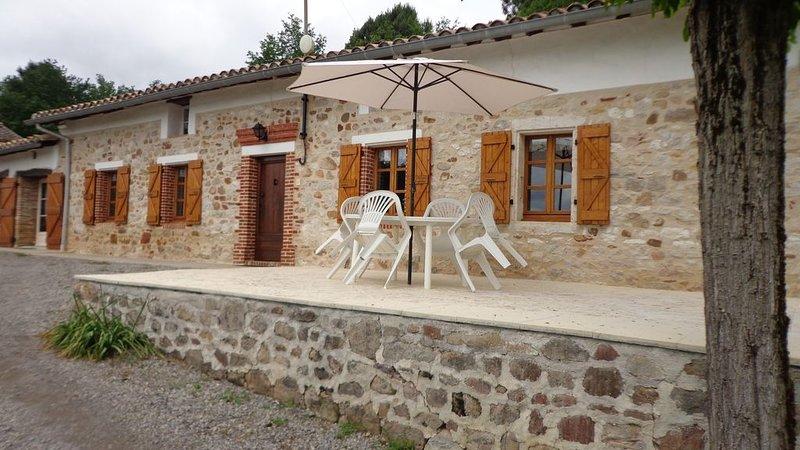 MAISON DE CAMPAGNE PLAIN PIED, casa vacanza a Castelnau-de-Montmiral