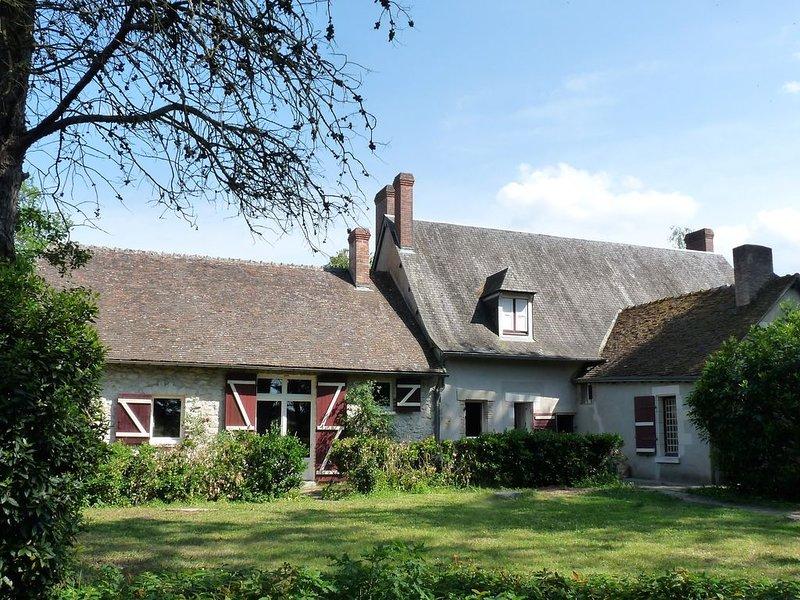 Maison de charme du XVIIIe au cœur des châteaux de la Loire., holiday rental in Saint-Nicolas-des-Motets