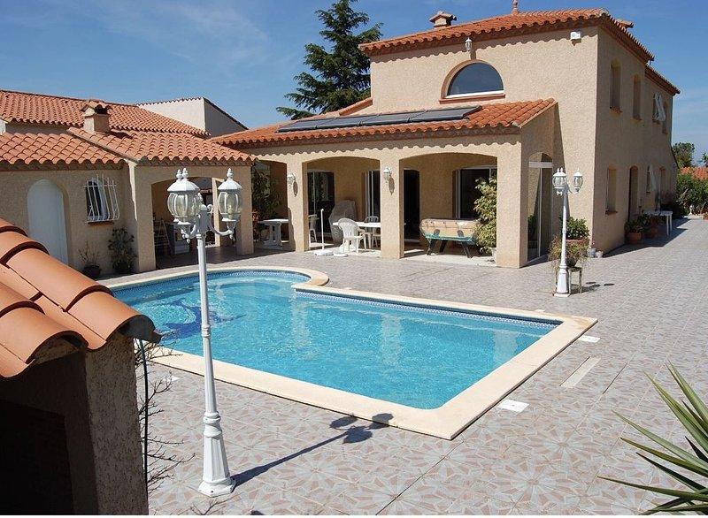 Villa familiale de 240m2 avec piscine – semesterbostad i Sorede