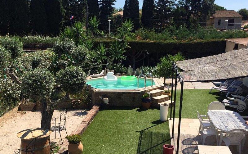 Maison 100m2 avec piscine, jeu de boules et billard, alquiler de vacaciones en Bormes-Les-Mimosas
