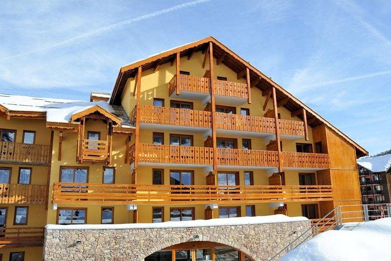 10Appart4* - Piscine - Sauna - Wifi - 44m² - Super équipé - Pied des pistes, holiday rental in Risoul