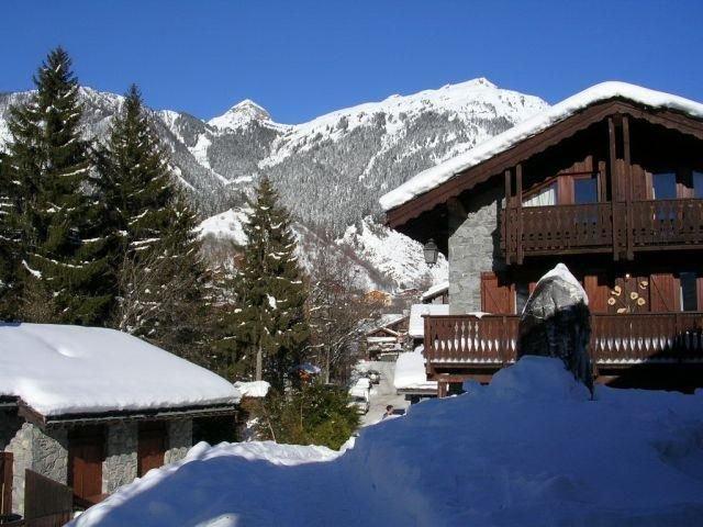 Chalet, wifi, vue panoramique, terrasse, cheminée ou poêle à bois, télévision, 6, holiday rental in Champagny-en-Vanoise
