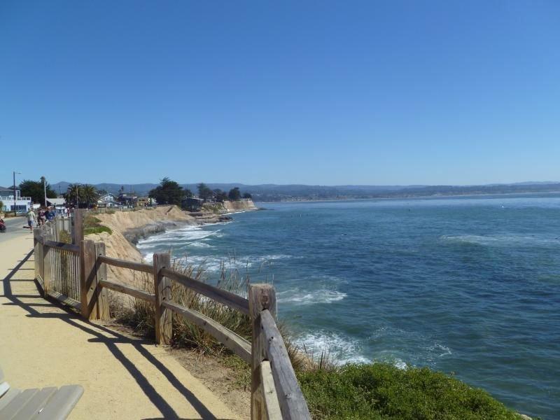 Santa Cruz Group Vacation! Four Elegant Units for 16 Guests, Pool, Parking!, location de vacances à Scotts Valley