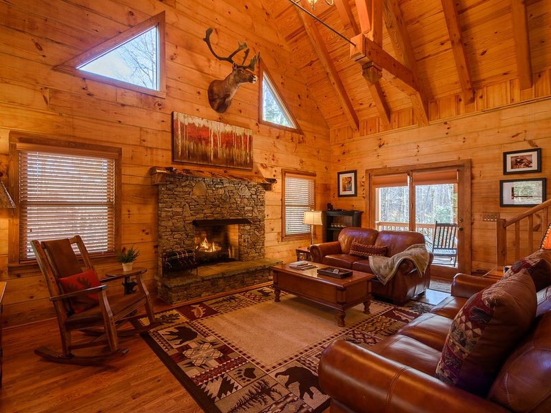 4BR, 3BA Cabin near Grandfather Mountain, Near to Sugar Mountain Ski Resort, vacation rental in Banner Elk