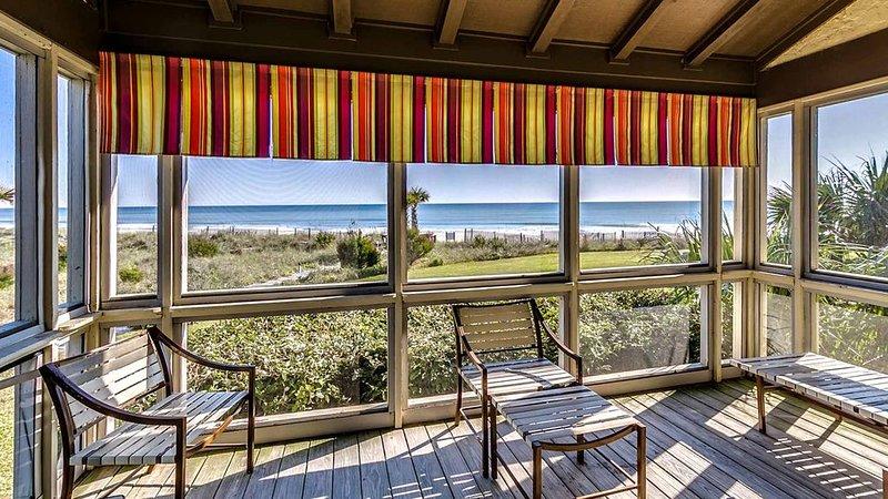 Cozy Oceanfront Villa with Stunning Unobstructed Ocean Views, vacation rental in Georgetown