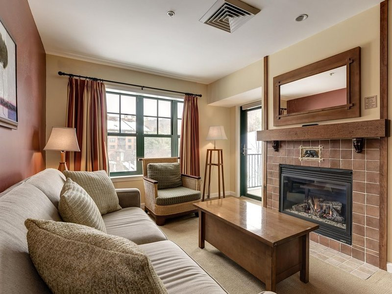 Appa 246 - Pine Grove - Mtn Front - Pool - Wineries - 50 miles from NYC, vacation rental in Vernon