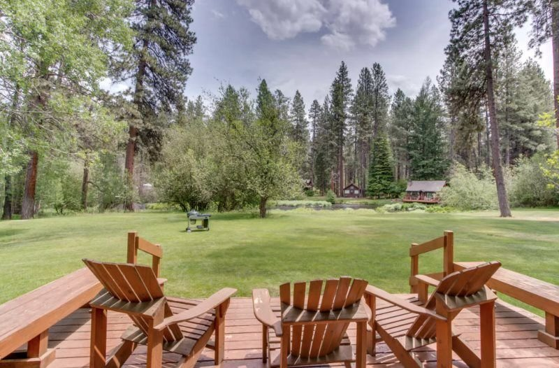 Metolius River Resort Cabin 5, location de vacances à Camp Sherman