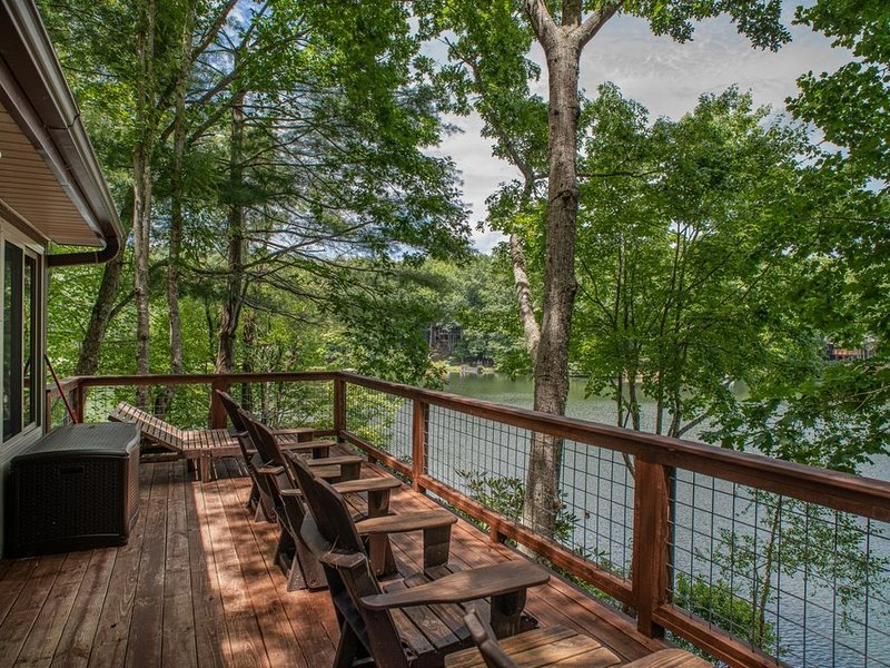 Lake front deck, great view