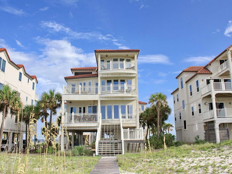FREE BEACH GEAR! Beachfront, Hot Tub, Fireplace, Screen Porch, Elevator, 5BR/5.5, vacation rental in Carrabelle