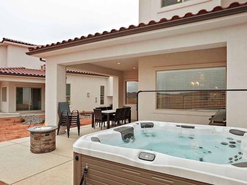 New Listing - Private Hot tub!! Beautiful 5 bed room 5 Bath home ., vacation rental in Santa Clara