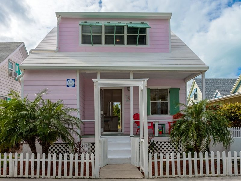 Pink Coral is your home in Paradise!, alquiler de vacaciones en Lubbers Quarters
