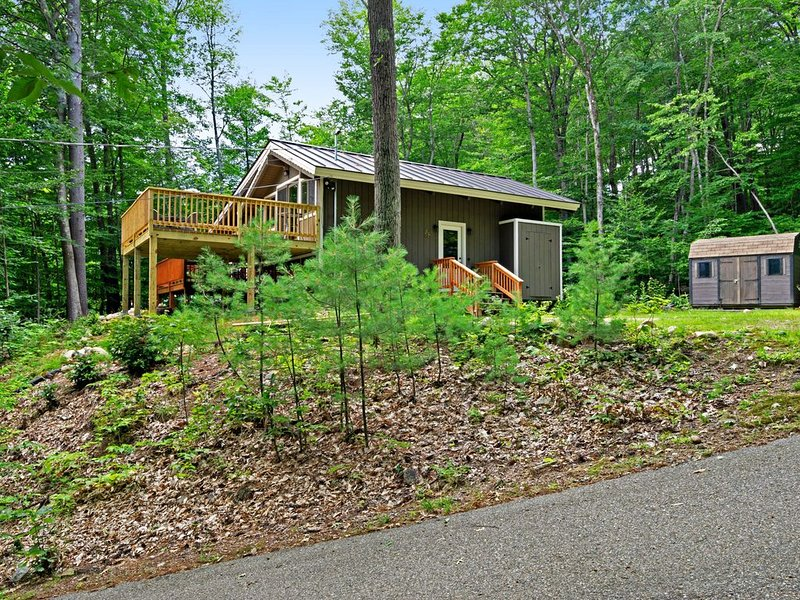 Premium Cleaned | Spacious, family-friendly home w/river views & deck! – semesterbostad i Hart's Location