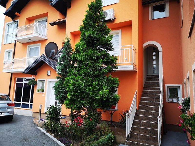 Apartments Luke in Dubrave Gornja with 2 bedrooms, sleeps 4, aluguéis de temporada em Bjelasnica