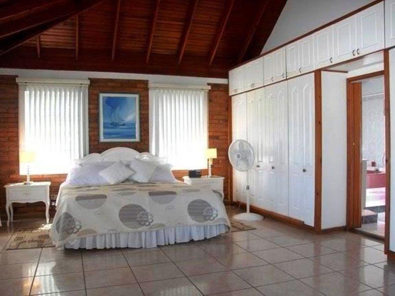 Casa ***.P Hotel Familiar, vacation rental in San Andres