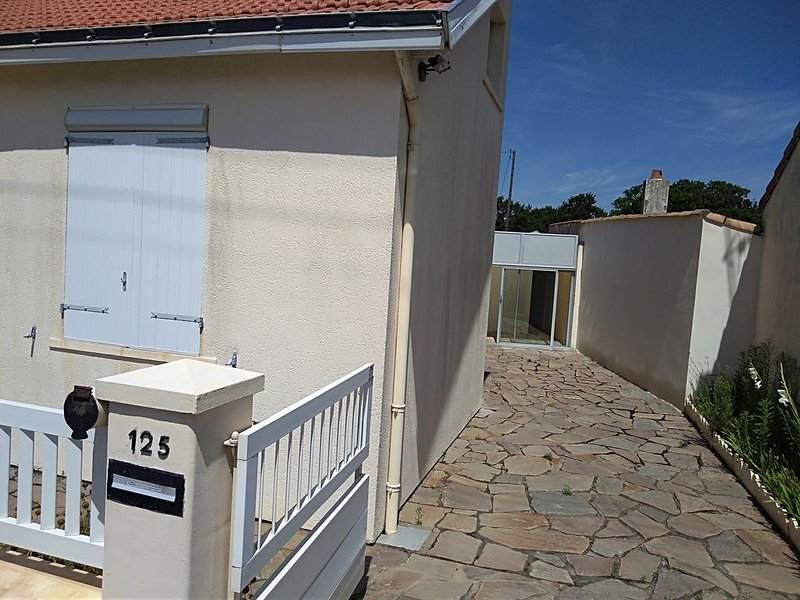 Maison proche mer 7 couchages, vacation rental in Pornic