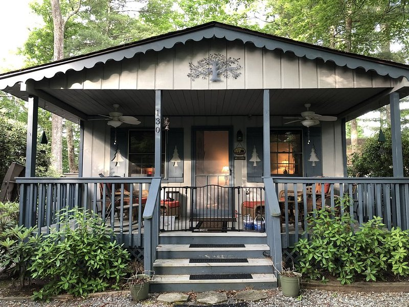 Mountain Cottage in Resort Setting, vacation rental in Linville