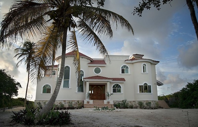 'Villa La Siesta', as its name suggests, is to relax in Caribbean style..., holiday rental in Sisal