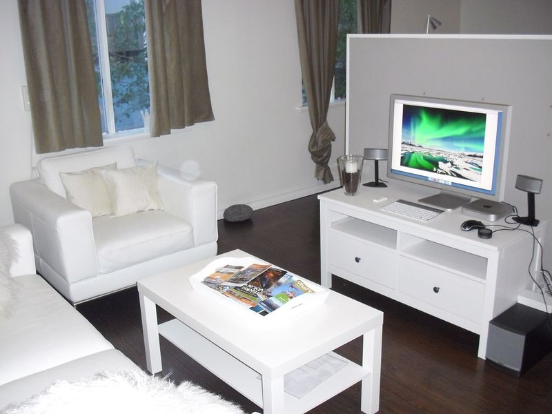 Cozy Private House in the hearth of city, great for family, friends or business, vacation rental in Reykjavik