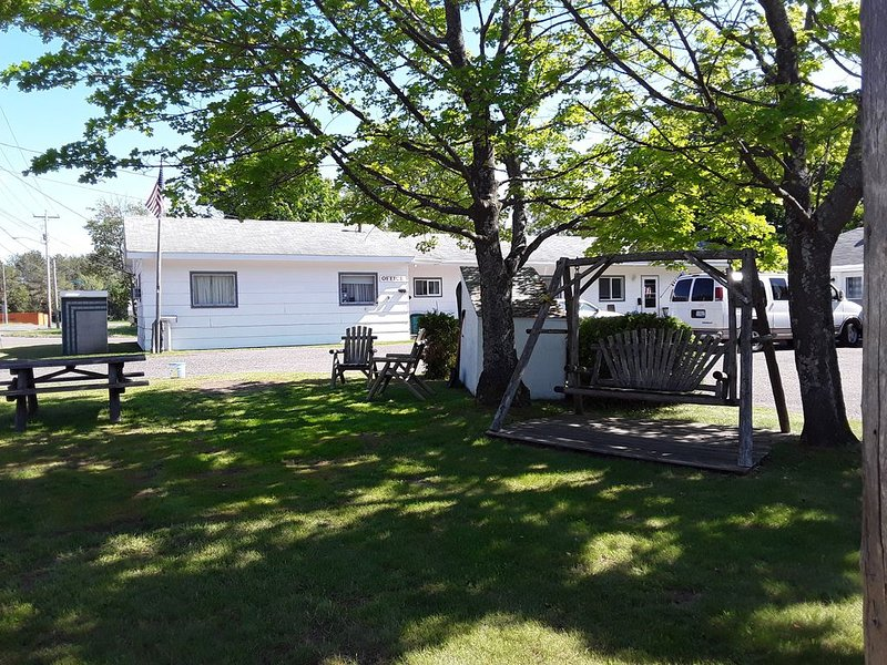 Wonderland Rentals number 7, holiday rental in Calumet